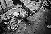 French guiana, Elahe, Haut-Maroni, zone a acces reglemente.<br /> <br /> Citoyens francais, les enfants sont scolarises dans les rares villages possedant une école... si n instituteur y est detache. Depuis 1998, un college se trouve a Maripasoula. Cet eloignement reste un obstacle a l'entree dans le secondaire et beaucoup d'enfants restent a mi-chemin entre 2 cultures.