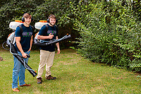 Kinder Spray Non-Toxic Pest Control in Massachusetts commercial image session
