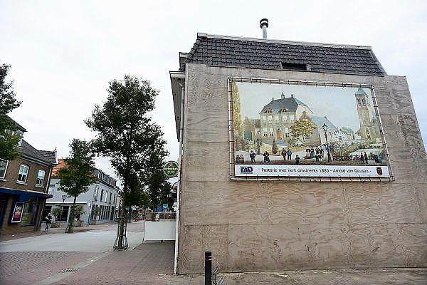 Nederland, Cuijk, 9-10-2013Dorpsbeeld van dit stadje, dorp in Noord Limburg. Het kwam in het nieuws vanwege de zedendelinquent Frank R., die 300 meisjes via internet, waarvan sommigen fysiek, seksueel misbruikte. Er is veel mediaaandacht, ook uit belgie, vlaanderen.Foto: Flip Franssen/Hollandse Hoogte