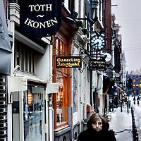 Nederland, Amsterdam , 23 januari 2013.<br /> De Nieuwe Spiegelstraat, een straat waar diverse kunsthandelaren zijn gevestigd.<br /> Het gaat momenteel niet goed in de kunstwereld als gevolg van de crisis.<br /> Foto:Jean-Pierre Jans