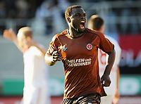 Fotball<br /> Tyskland<br /> 16.10.2010<br /> Foto: Witters/Digitalsport<br /> NORWAY ONLY<br /> <br /> Jubel 1:0 Torschuetze Gerald Asamoah (St. Pauli) <br /> <br /> Bundesliga, FC St. Pauli - 1. FC Nürnberg