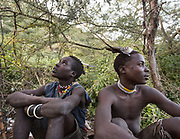 Mahiya (left) and moloba. Hunting from a blind for storks. At and near the Hadza camp of Dedauko.