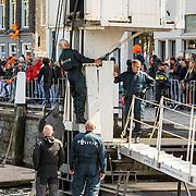 NLD/Dordrecht/20150427 - Koningsdag 2015 in Dordrecht, laatste veiligheidscheck door de politie
