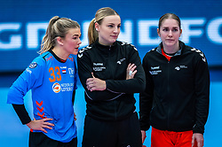 Tess Wester of Netherlands, Rinka Duijndam of Netherlands, Laura van der Heijden of Netherlands during the Women's EHF Euro 2020 match between Netherlands and Germany at Sydbank Arena on december 14, 2020 in Kolding, Denmark (Photo by RHF Agency/Ronald Hoogendoorn)