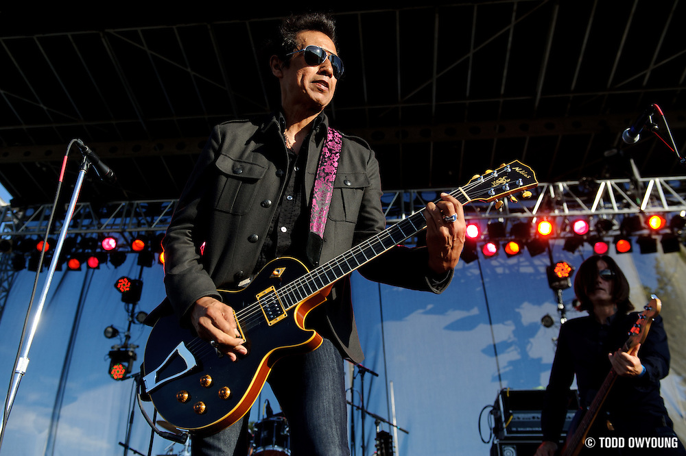 Alejandro Escovedo performing at LouFest in St. Louis on August 29, 2010.