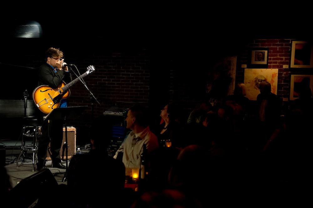 Renowned Nashville-based guitarist / harmonicist Pat Bergeson