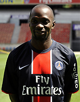 Fotball<br /> Frankrike<br /> Foto: Dppi/Digitalsport<br /> NORWAY ONLY<br /> <br /> FOOTBALL - FRENCH CHAMPIONSHIP 2008/2009 - PARIS SAINT GERMAIN - 21/07/2008 - CLAUDE MAKELELE (PSG NEW PLAYER) DURING HIS PRESENTATION