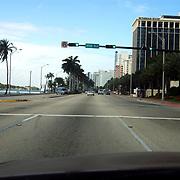 Vakantie Miami Amerika, palmbomen, straat, stoplichten