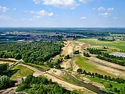 Nederland, Limburg, Gemeente Venray; 27-05-2020; Blitterwijk, aanleg stijlranddijk en nieuwe valei direct ten oosten van het dorp. Aansluiting op de Oude Maasarm (voorgrond), Maas in de achtergrond. Onderdeel van Gebiedsontwikkeling Ooijen en Wanssum, waaronder aanleg van een  hoogwatergeul, weerdverlaging en natuurontwikkeling.<br /> Blitterswijk, construction new dike and new valley immediately east of the village. Connection to the old river (more inland).<br /> luchtfoto (toeslag op standard tarieven);<br /> aerial photo (additional fee required)<br /> copyright © 2020 foto/photo Siebe Swart