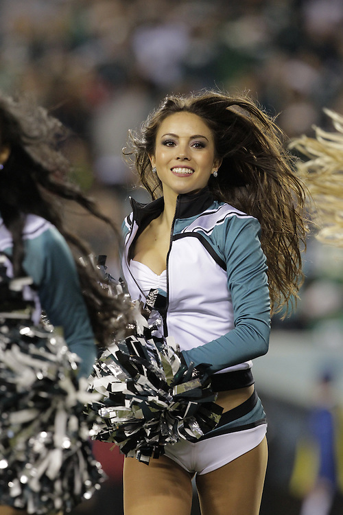 PHILADELPHIA - DECEMBER 22: Cheerleaders of the Philadelphia Eagles during a game against the Chicago Bears on December 22, 2013 at Lincoln Financial Field in Philadelphia, Pennsylvania. The Eagles won 54-11. (Photo by Hunter Martin/Philadelphia Eagles/Getty Images) *** Local Caption ***