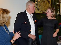 12-12-2015 NED: Bondsvergadering Nevobo, Nieuwegein<br /> Hans Nieukerke is vandaag benoemd tot erevoorzitter van de Nevobo. De 73-jarige Nieukerke ontving in het Huis van de Sport deze eer bij het afscheid van zijn twaalfjarig voorziterschap en kreeg de unieke gouden bondsspeld met drie briljanten opgespeld / Hans en Joelle Staps