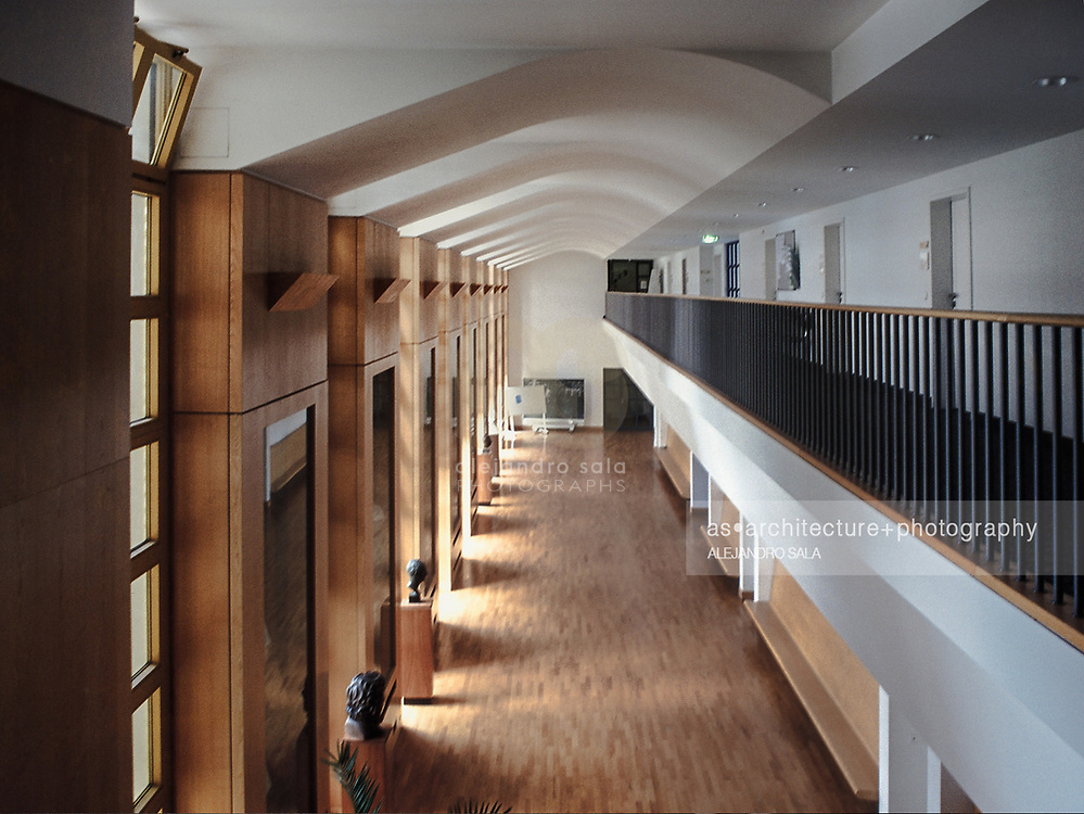 Stuttgart, Germany, Baden - Württemberg 2002: Interior view of the third floor, of the Music School of History in Stuttgart completed in 1992, by James Stirling and Michael Wilford Architects. Photograph by Alejandro Sala   Visit SHOP Images to purchase a digital file,  explore other Alejandro Sala images.    AS • Atelier• Architecture + Photography