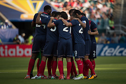July 19, 2017 - Philadelphia, Pennsylvania, U.S - Costa Rica huddles together before the match for CONCACAF Gold Cup 2017 action at Lincoln Financial Field in Philadelphia, PA.  Costa Rica defeats Panama 1 to 0. (Credit Image: © Mark Smith via ZUMA Wire)