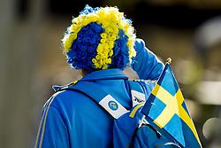 September 23, 2017 - Bergen, NORWAY - 170923 A supporter from Sweden follows the Women Elite Road Race on September 23, 2017 in Bergen..Photo: Vegard Wivestad GrÂ¿tt / BILDBYRN / kod VG / 170026 (Credit Image: © Vegard Wivestad Gr¯Tt/Bildbyran via ZUMA Wire)
