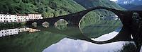 Italie. Toscane. Borgo a Mezzano. Pont du Diable. // Devil Bridge - Borgo a Mezzano - Tuscany - Italy