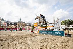 NIEBERG Max (GER), COOKIE 62<br /> Münster - Turnier der Sieger 2019<br /> Preis des EINRICHTUNGSHAUS OSTERMANN, WITTEN<br /> CSI4* - Int. Jumping competition  (1.45 m) - <br /> 1. Qualifikation Mittlere Tour<br /> Medium Tour<br /> 02. August 2019<br /> © www.sportfotos-lafrentz.de/Stefan Lafrentz