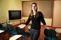 A Gabriela Zago, já fez 27 cursos da plataforma digital Coursera e diz que eles a ajudaram a passar no concurso para ser professora universitária na Universidade Federal de Pelotas. FOTO: Jefferson Bernardes/Preview.com