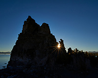 Mono Lake, South Tufa Area. Image taken with a Nikon D3 camera and 24 mm f/3.5 PC-E lens (ISO 200, 24 mm, f/22, 1/200 sec).