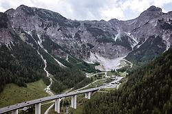 THEMENBILD - Verkehr auf der A10 Tauernautobahn beim Tauerntunnel, aufgenommen am 27. Juli 2019 in Flachau, Österreich // Traffic on the A10 Tauernautobahn at the Tauerntunnel, Flachau, Austria on 2019/07/27. EXPA Pictures © 2019, PhotoCredit: EXPA/ JFK