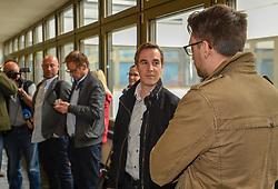 29.04.2019, Landesgericht, Innsbruck, AUT, Zivilprozess, ÖSV gegen Johannes Dürr, Zivilprozess nach Klage des ÖSV gegen Johannes Dürr auf Unterlassung und Widerruf der Behauptungen, der ÖSV dulde Doping stillschweigend, im Bild Innsbruck Landesgericht Prozess ÖSV Johannes Dürr m Bild mit Anwalt Michael Lehner // Civil case after claim of the Austrian Ski Association against the former cross-country skier Johann Dürr on omission and revocation of the allegations that the ÖSV tacitly oppose doping at the Landesgericht in Innsbruck, Austria on 2019/04/29. EXPA Pictures © 2019, PhotoCredit: EXPA/ Erich Spiess