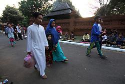 June 25, 2017 - Cirebon, East Java, Indonesia - Citizens of Cirebon entered Kasepuhan Palace area to carry out Eid prayers in Langgar Agung. (Credit Image: © Kuncoro Widyo Rumpoko/Pacific Press via ZUMA Wire)