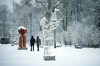 Bialystok, 09.01.2021. Pierwsze wieksze opady sniegu tej zimy. N/z osniezone drzewa w Parku Planty fot Michal Kosc / AGENCJA WSCHOD