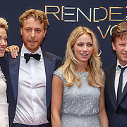 NLD/Amsterdam/20150601 - Premiere Rendez-vous, Loes Haverkort, Mark van Eeuwen, Jennifer Hoffman en Peter Paul Muller
