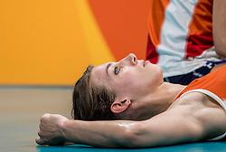 18-08-2016 BRA: Olympic Games day 13, Rio de Janeiro<br /> De Nederlandse volleybalsters hebben niet kunnen stunten met een plaats in de finale van het olympisch toernooi. China, dat in de groepsfase nog met 3-2 geklopt werd, won na een thriller van ruim twee uur: 3-1 (27-25, 23-25, 29-27, 25-23). / Robin de Kruijf #5