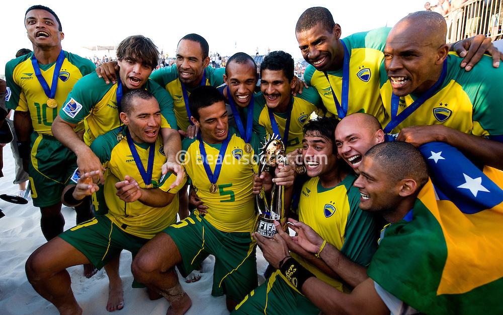 MARSEILLE, FRANCE- JULY 26: Brasil - Italy. Fifa Beach Soccer World Cup Marseiile 2008. (Photo by Manuel Queimadelos)