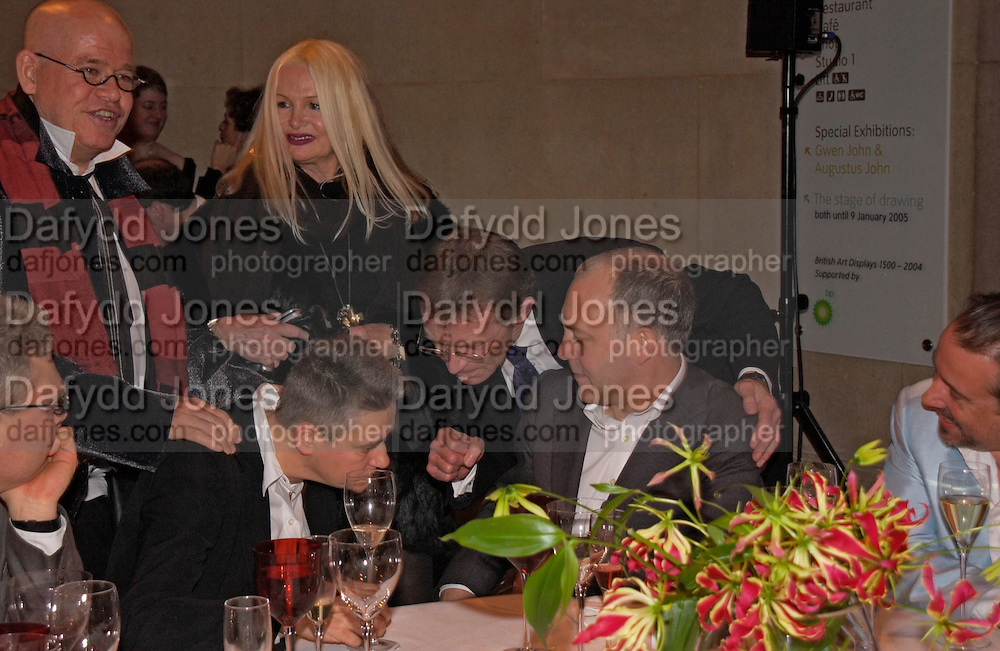 Jibby Beane, Sir Nicholas Serota consoles Langlands and Bell, 2004 Turner prize. Tate Britain. 7 December 2004. ONE TIME USE ONLY - DO NOT ARCHIVE  © Copyright Photograph by Dafydd Jones 66 Stockwell Park Rd. London SW9 0DA Tel 020 7733 0108 www.dafjones.com