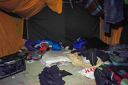 October 24, 2016 - Calais, France - Empty tent left by some migrants as they went to the warehouse to take the bus. Calais 24/10/2016  (Credit Image: © Guillaume Pinon/NurPhoto via ZUMA Press)
