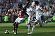 Cheikhou Kouyate of West Ham United scores his teams 1st goal. Premier league match, West Ham Utd v Swansea city at the London Stadium, Queen Elizabeth Olympic Park in London on Saturday 8th April 2017.<br /> pic by Steffan Bowen, Andrew Orchard sports photography.