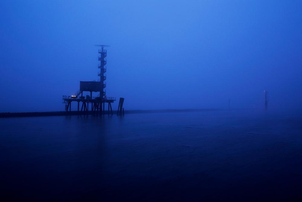 Nebel am morgen im Hamburger Hafen