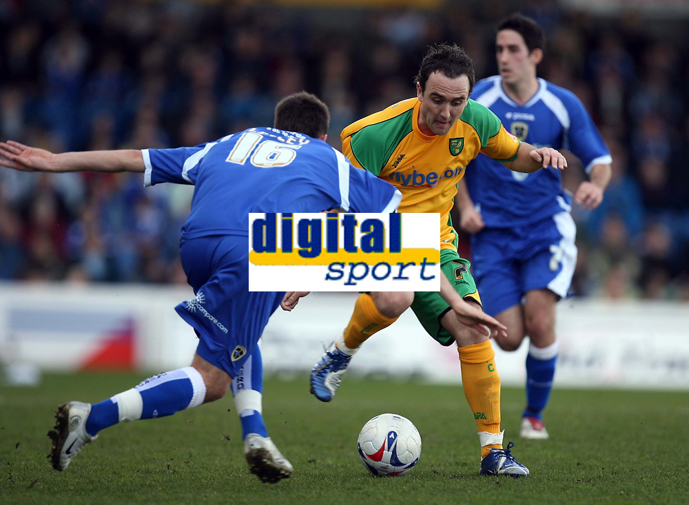Photo: Rich Eaton.<br /> <br /> Cardiff City v Norwich City. Coca Cola Championship. 10/03/2007. Lee Croft centre of Norwich attacks