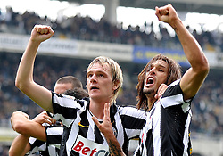 17.10.2010, Stadio Olimpico, Turin, ITA, Serie A, Juventus Turin vs US Lecce, im Bild L'esultanza di Amauri e Milos Krasic ( Juventus ) per il gol del 3-0 di Fabio Quagliarella.Juventus players Milos Krasic and Amauri celebrate their teammate Fabio Quagliarella 's 3-0 leading goal.EXPA Pictures © 2010, PhotoCredit: EXPA/ InsideFoto/ Giorgio Perottino +++++ ATTENTION - FOR AUSTRIA AND SLOVENIA CLIENT ONLY +++++..