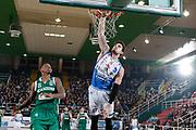 DESCRIZIONE : Avellino Lega A 2015-16 Sidigas Avellino Banco di Sardegna Sassari<br /> GIOCATORE : Joe Alexander<br /> CATEGORIA : schiacciata<br /> SQUADRA : Banco di Sardegna Sassari<br /> EVENTO : Campionato Lega A 2015-2016 <br /> GARA : Sidigas Avellino Banco di Sardegna Sassari<br /> DATA : 09/11/2015<br /> SPORT : Pallacanestro <br /> AUTORE : Agenzia Ciamillo-Castoria/A. De Lise <br /> Galleria : Lega Basket A 2015-2016 <br /> Fotonotizia : Avellino Lega A 2015-16 Sidigas Avellino Banco di Sardegna Sassari