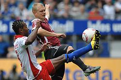 11.09.2010, Imtech Arena, Hamburg, GER, 1.FBL, Hamburger SV vs 1.FC Nuernberg, im Bild Ze Roberto (Hamburg #08) versucht sich gegen Andreas Wolf (Nuernberg # 05) durchzusetzen  EXPA Pictures © 2010, PhotoCredit: EXPA/ nph/  Witke+++++ ATTENTION - OUT OF GER +++++ / SPORTIDA PHOTO AGENCY