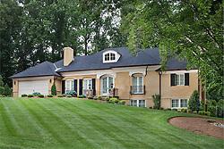 1805_Briarridge_Full_Front exterior of house