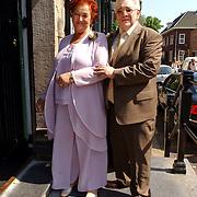 NLD/Naarden/20050527 - Huwelijk jongste zus Rene Froger, Moeder Mien en partner Jan Boezeroen.vader, pa, ma