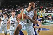 DESCRIZIONE : Treviso Lega A 2010-11 Benetton Treviso Bennet Cantu<br /> GIOCATORE : Brian Skinner<br /> SQUADRA : Benetton Treviso Bennet Cantu<br /> EVENTO : Campionato Lega A 2010-2011 <br /> GARA : Benetton Treviso Bennet Cantu<br /> DATA : 12/05/2011<br /> CATEGORIA : Rimbalzo<br /> SPORT : Pallacanestro <br /> AUTORE : Agenzia Ciamillo-Castoria/M.Gregolin<br /> Galleria : Lega Basket A 2010-2011 <br /> Fotonotizia : Treviso Lega A 2010-11 Benetton Treviso Bennet Cantu<br /> Predfinita :