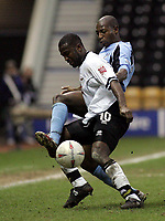 Fotball<br /> FA-cup 2005<br /> Derby v Fulham<br /> 29. januar 2005<br /> Foto: Digitalsport<br /> NORWAY ONLY<br /> Luis Boa Morte and Michael Johnson go for the ball