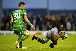 September 9, 2017 - Galway, Ireland - Sibusiso Sithole of Kings and Eoghan Masterson of Conacht during the Guinness PRO14 rugby match between Connacht Rugby and Southern Kings at the Sportsground in Galway, Ireland on September 9, 2017  (Credit Image: © Andrew Surma/NurPhoto via ZUMA Press)