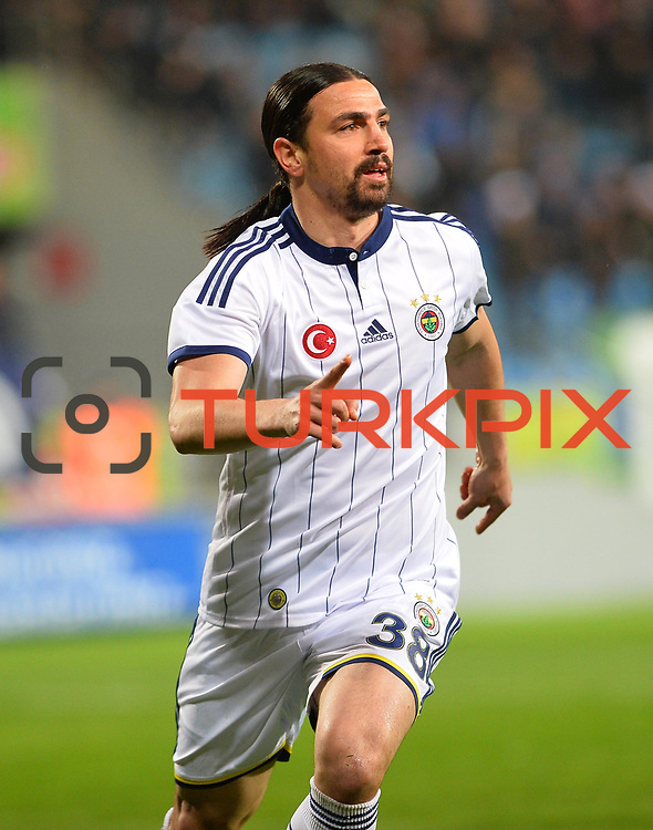 Fenerbahce's Mehmet Topuz celebrate his goal during their Turkish Super League soccer match Caykur Rizespor between Fenerbahce at the Yeni Rize Sehir stadium in Rize Turkey on Saturday, 04 April 2015. Photo by TVPN/TURKPIX
