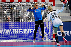08-12-2019 JAP: Netherlands - Germany, Kumamoto<br /> First match Main Round Group1 at 24th IHF Women's Handball World Championship, Netherlands lost the first match against Germany with 23-25. / Tess Wester #33 of Netherlands, Evgenija Minevskaja #32 of Germany