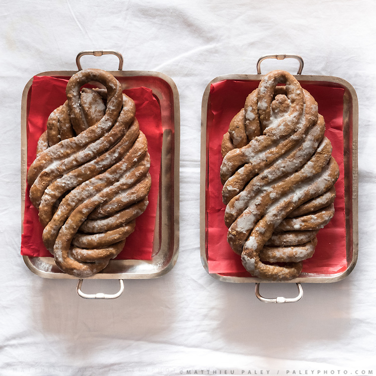 """Sort of beignets or fritters twisted in a symbolic form and sugar coated. Traditional wedding gifts are prepared by the grrom's family for the bride. <br /> Called """"Saipata"""", they come in pairs as it is considered auspicious."""