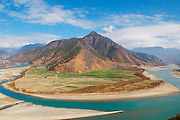 Chine. Province du Yunnan. Le premier coude du Yangtze. // China. Yunnan province. The first bend of the Yangtze River.