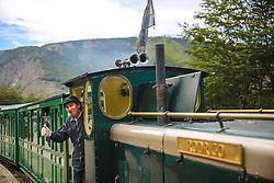 Maquinista no Trem do Fim do Mundo - Ushuaia,  Patagônia. FOTO: Jefferson Bernardes/ Agência Preview