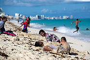 Tourists Return To the Beaches of Cancun