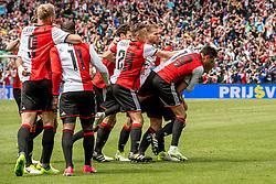 14-05-2017 NED: Kampioenswedstrijd Feyenoord - Heracles Almelo, Rotterdam<br /> In een uitverkochte Kuip pakt Feyenoord met een 3-1 overwinning het landskampioenschap / Dirk Kuyt #7 scoort de 2-0