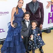NLD/Amsterdam/20181209 - Premiere  Bon Bini Holland 2, Jandino Asporaat met partner Shirley en hun kinderen